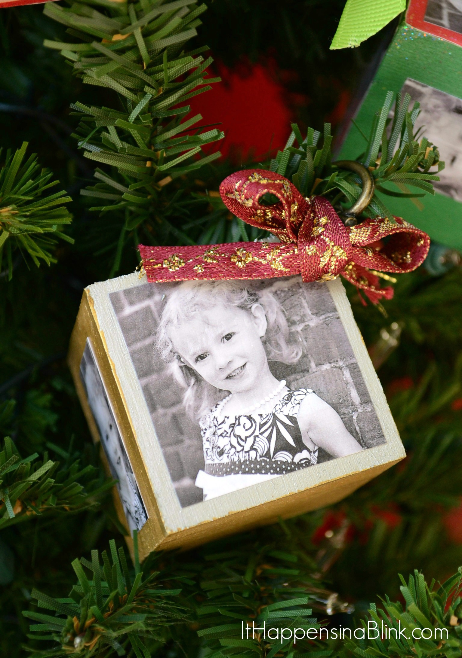 DIY Photo Block Christmas Ornaments | ItHappensinaBlink.com | Make your own photo block ornaments & DIY Photo Block Ornaments