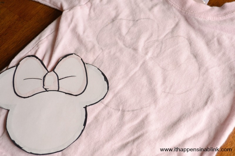 Fabric Paint Character Tracing Minnie Mouse from It Happens in a Blink