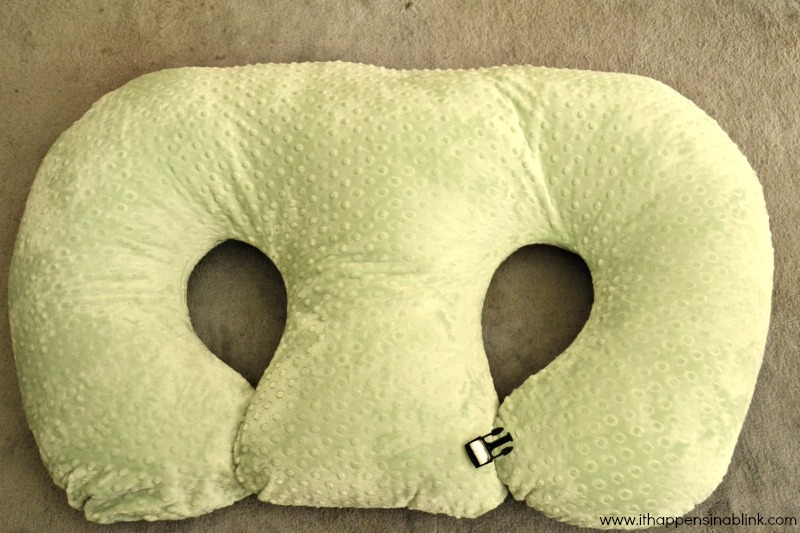 Twin Z Pillow from It Happens in a Blink
