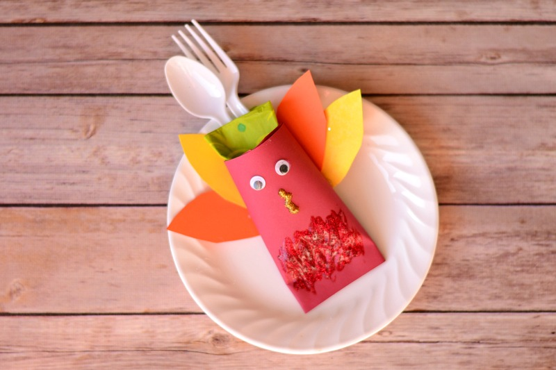 Kids Thanksgiving Turkey Cutlery Holder from It Happens in a Blink