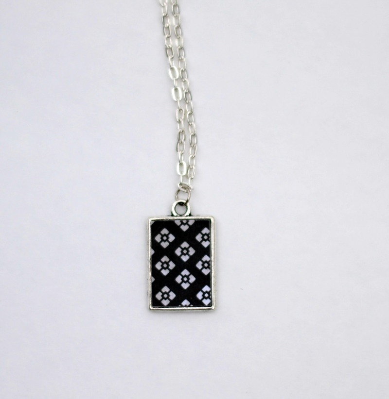 Reversible DIY Pendant Necklace using a Silhouette from it Happens in a Blink