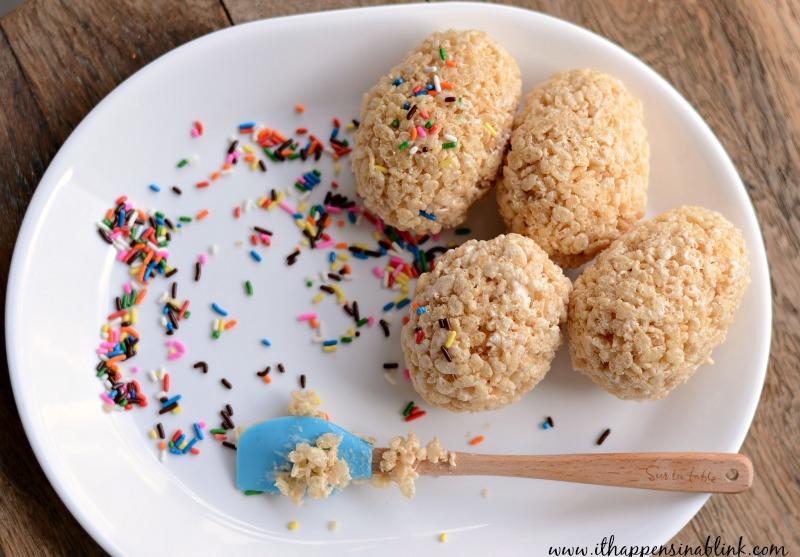 Rice Krispie Easter Egg Treats from It Happens in a Blink