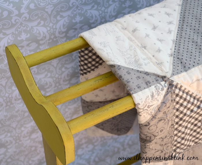 How to Easily Refinish a Quilt Rack from It Happens in a Blink #HomeDecorChalk