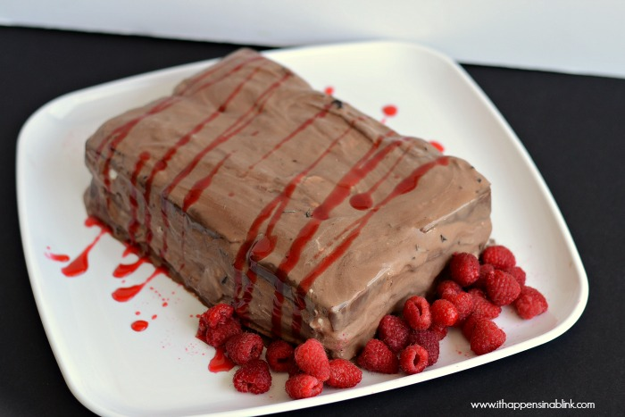 Chocolate Raspberry Ice Cream Cake from It Happens in  a Blink #TEArifficPairs #shop #cbias