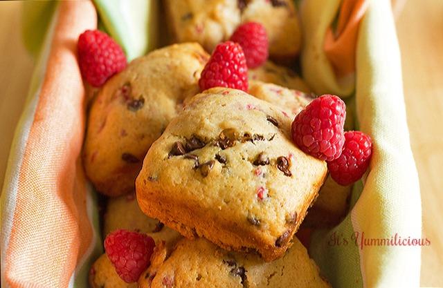 Raspberry Chocolate Chip Muffins from It's Yummi
