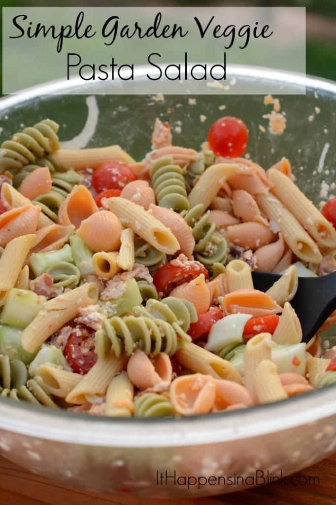 Simple Garden Veggie Pasta Salad |  ItHappensinaBlink.com