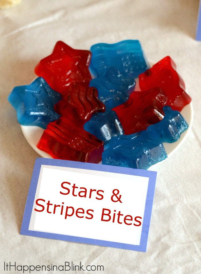 Stars and Stipes Gelatin Bites  |  ItHappensinaBlink.com  |  #HeroesEatMMS  #shop #cbias
