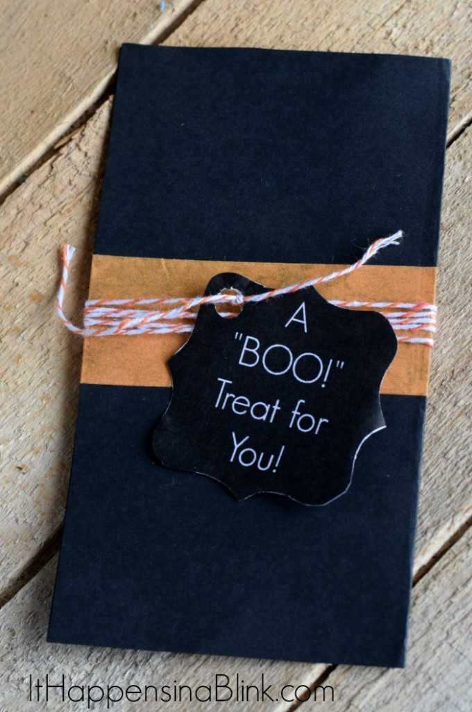 DIY Halloween Coupon Book Holder | ItHappensinaBlink.com | #Frosty4Adoption #ad