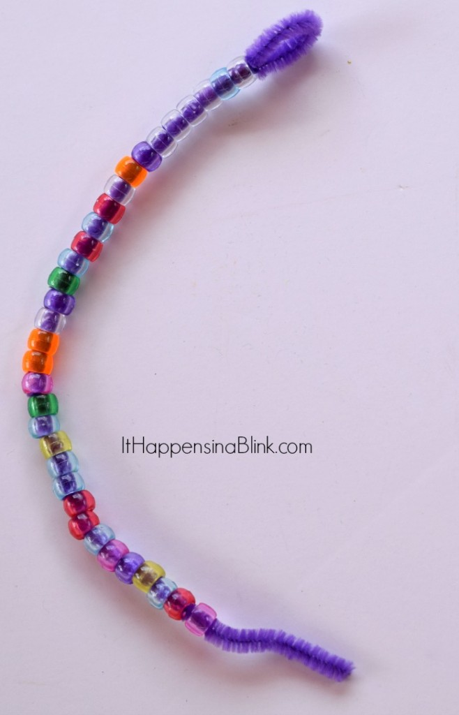 Pony Bead Cross Craft | ItHappensinaBlink.com