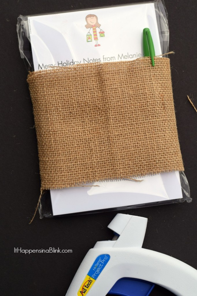 Holiday Teacher Gift Idea |  ItHappensinaBlink.com  |  Use burlap, ribbon, and chalkboard tags to wrap a stationery gift for a teacher