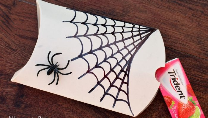 Hand Drawn Spider Web Pillow treat boxes   AD   See how to easily draw this spider web to make a cute Halloween treat box