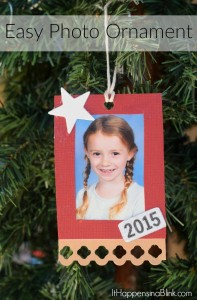 Easy Photo Ornament   AD #InkjetGlitter   Use Core'dinations Glitter Prints and card stock to create an inexpensive and easy Christmas ornament