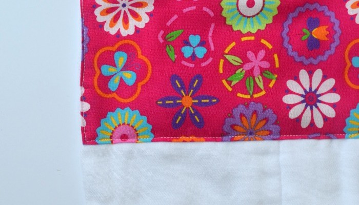 Boutique Style Baby Burp Cloth | Sew a trendy baby burp cloth with this beginner sewing tutorial