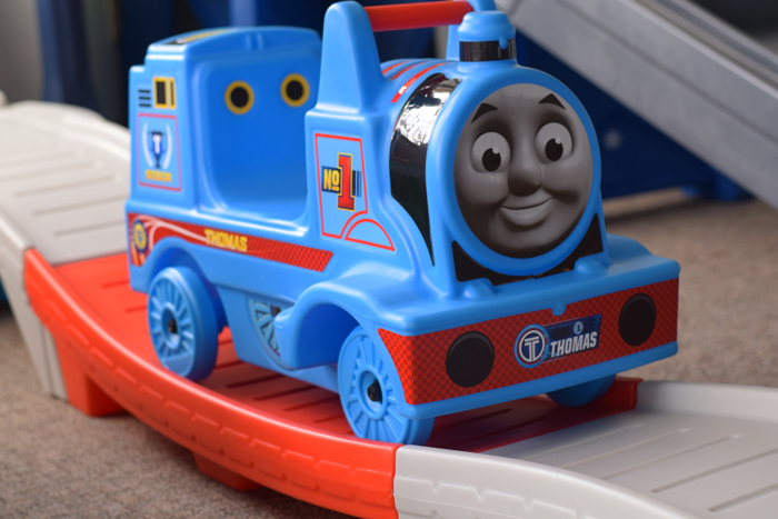 Step2 Thomas the Tank Engine Up and Down Coaster AD