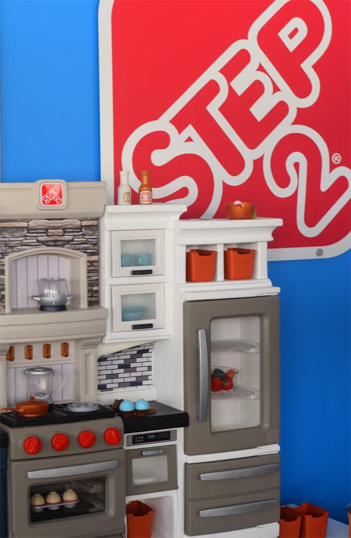 Step2 Valhalla Play Kitchen AD