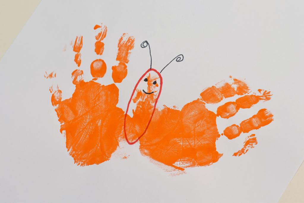 Letter B Butterfly Handprint Art for Kids | Great preschool letter craft