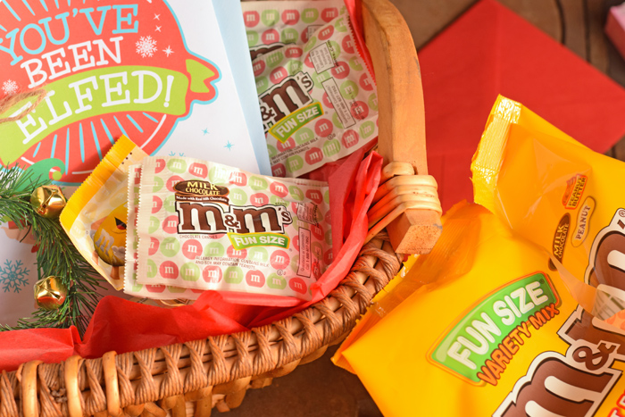 Assembling an Elfing Neighbor Gift Basket AD