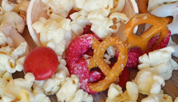 Easy Valentine's Day Snack Mix for a Large Group