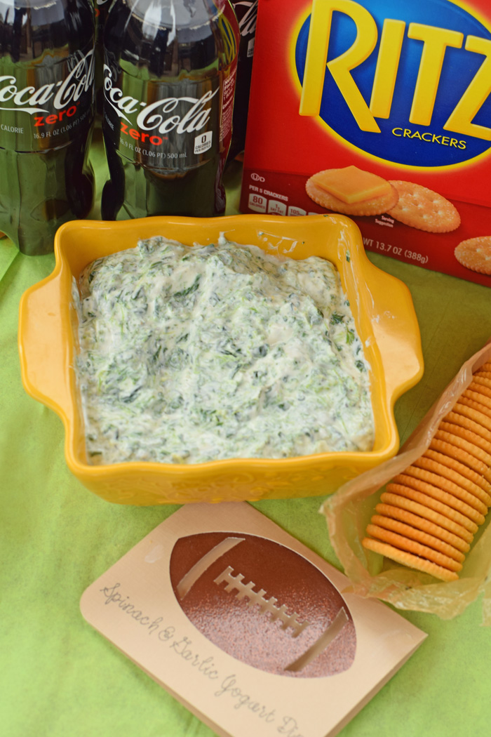 Get this Spinach and Yogurt Garlic Dip for Game Day recipe AD
