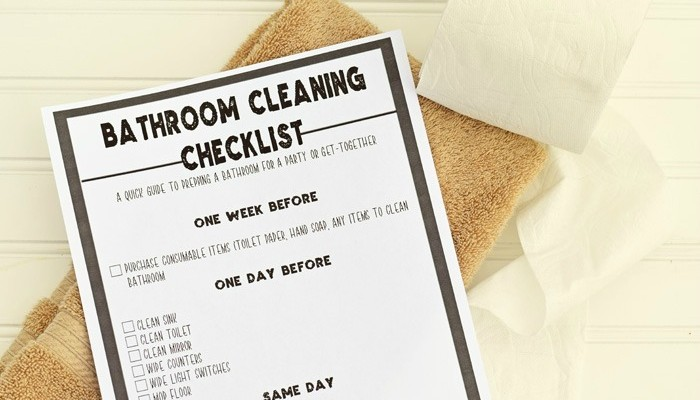 How to Get the Guest Bathroom Prepped for Game Day {even with little ones in the house!}. Includes a free printable AD