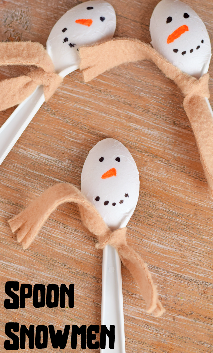 Snowman Spoon Craft for Kids that is perfect for winter break or snow days.