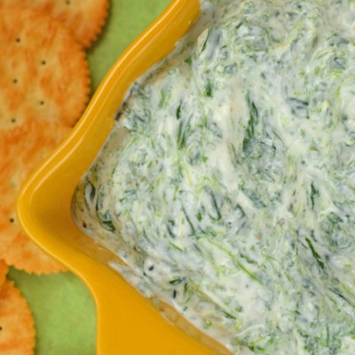 Spinach and Yogurt Garlic Dip for Game Day AD