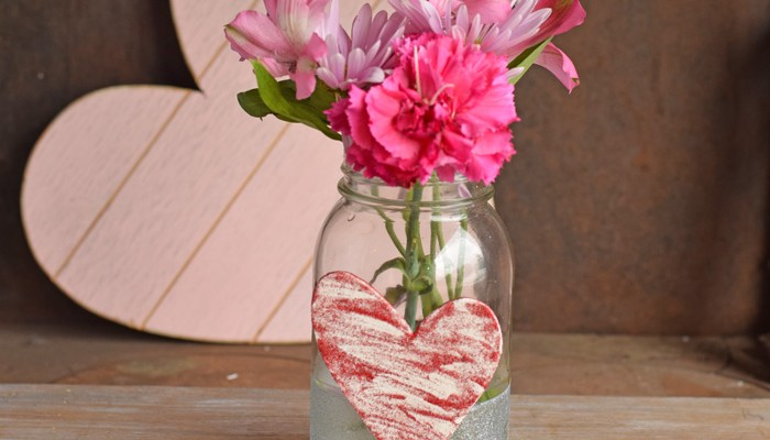 Easy Heart Mason Jar for Valentine's Day AD