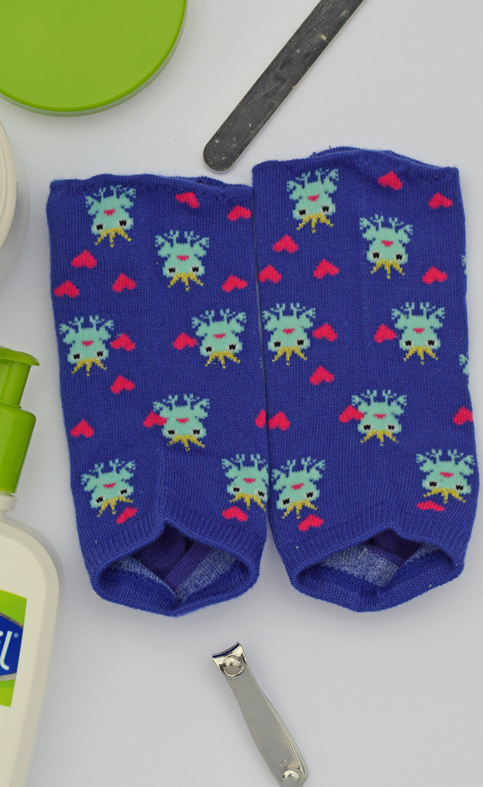 DIY Pedicure Socks sewing tutorial AD