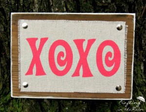 XOXO Sign from Crafting in the Rain