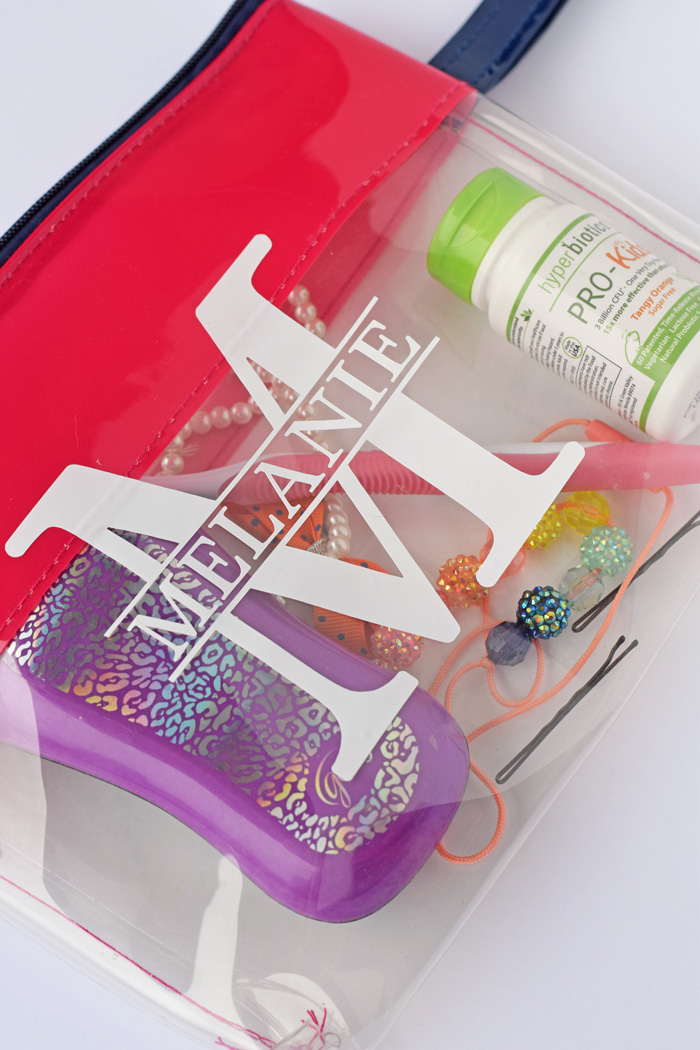 Personalized Vinyl Travel Bag made with vinyl and the Cricut Explore Air AD