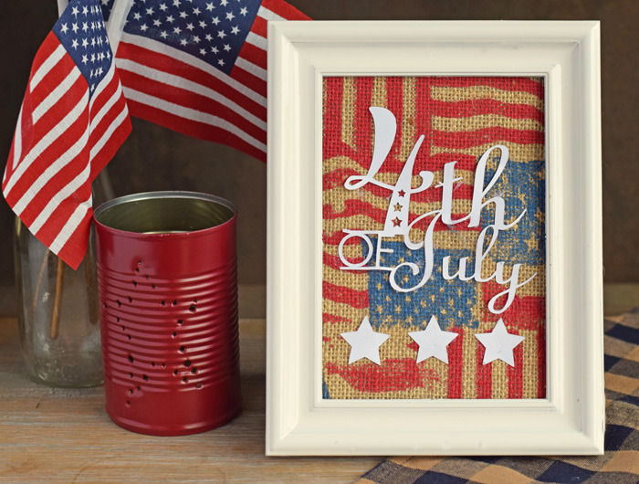 This 4th of July Patriotic Framed Sign is a cute, easy, and quick craft project! AD