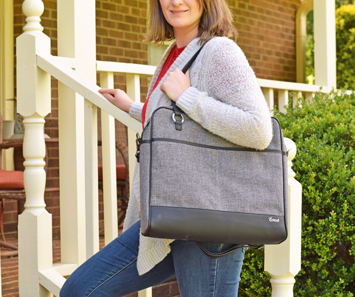 Traveling with the Cricut Shoulder Bag AD