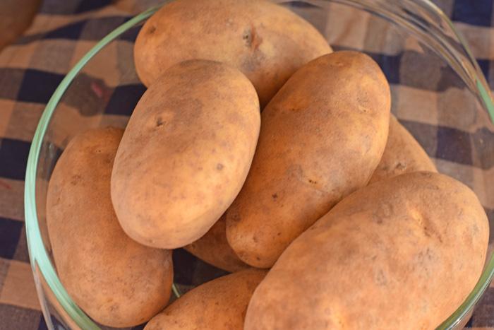 The Perfect Oven Baked Potato + a Baked Potato Bar AD