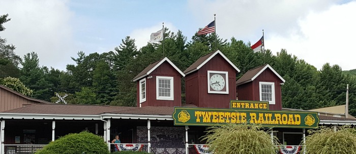 Traveling with Kids: A Family Fun Day at Tweetsie Railroad