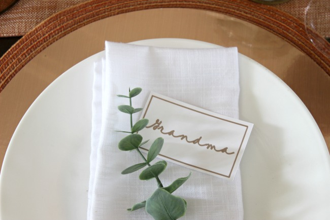 Personalized Place Card Settings with the Cricut