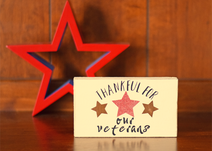 Thankful for Our Veterans Decor Sign