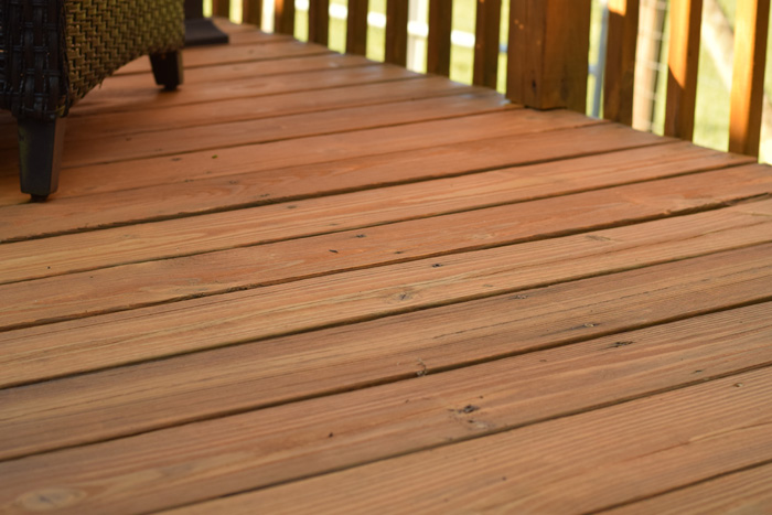 Tips for Re-staining a Deck