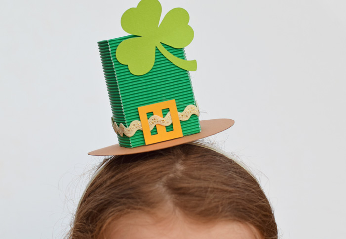 St. Patrick's Day Top Hat Headband with the Cricut Maker AD