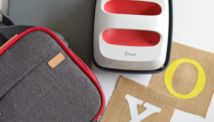 Burlap Tic Tac Toe Bean Bags with the Cricut EasyPress AD