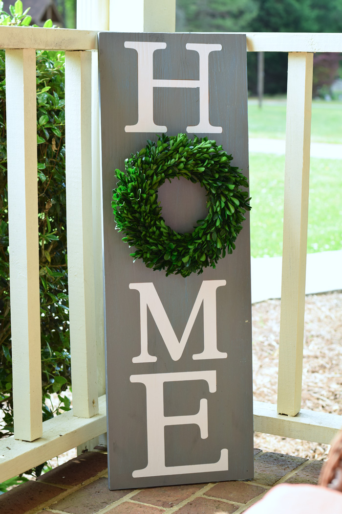 DIY HOME Decor Sign made with the Cricut machine AD