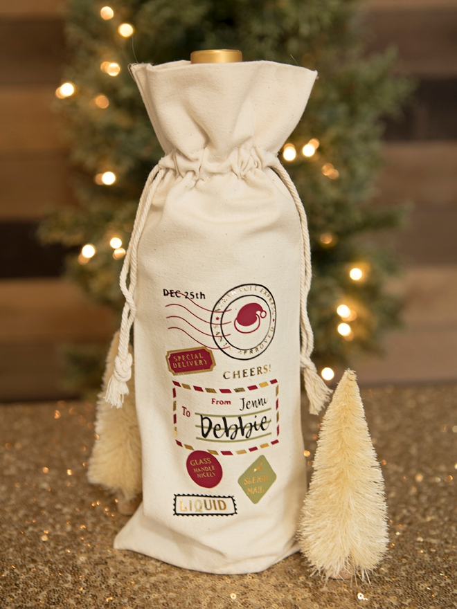 Personalized Wine Bags for Christmas made with the Cricut