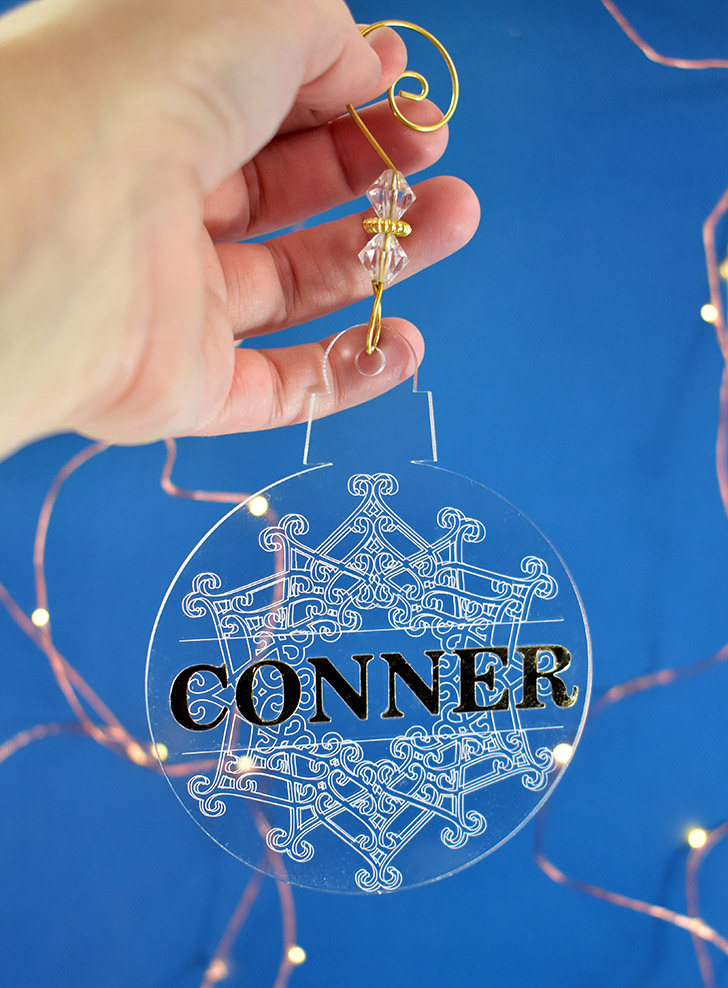 Engraved Snowflake Ornament made with the Cricut machine